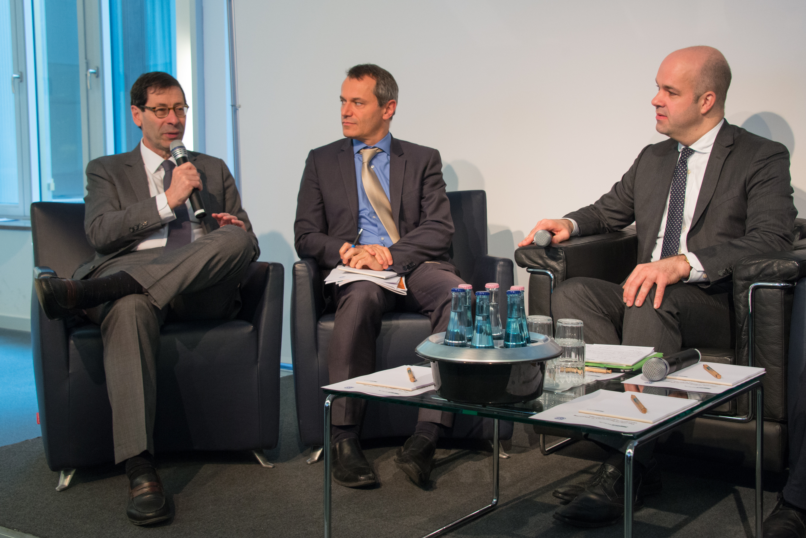 Maurice Obstfeld (IMF), Romain Duval (IMF) and Marcel Fratzscher attended a panel discussion (left to the rigth)